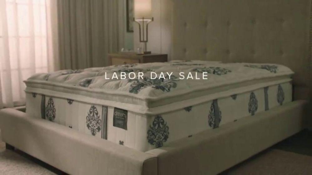 American Signature Furniture Labor Day Sale TV Commercial, 'Dream Mattress Studio'