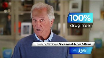 Relief Factor TV Spot, 'Struggling With Pain: Linda' Featuring Pat Boone - Thumbnail 6