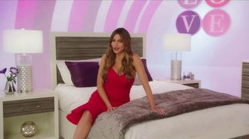 Rooms to Go TV Spot, 'Sofia Vergara Collection: Love at First Sight' Featuring Sofia Vergara - Thumbnail 3