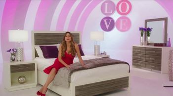 Rooms to Go TV Spot, 'Sofia Vergara Collection: Love at First Sight' Featuring Sofia Vergara - Thumbnail 5