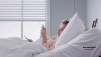 Mattress Firm Preventa de Labor Day TV Spot, 'King a precio Queen' [Spanish] - Thumbnail 3