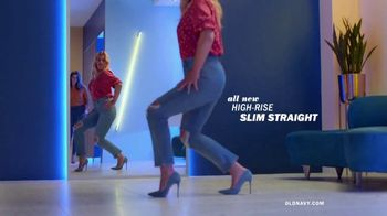 Old Navy Denim Try-On-A-Thon TV Spot, 'Reunion' Featuring Busy Philipps - Thumbnail 4