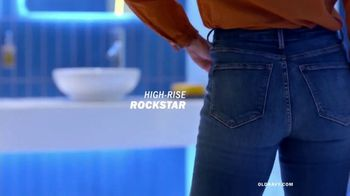 Old Navy Denim Try-On-A-Thon TV Spot, 'Reunion' Featuring Busy Philipps - Thumbnail 7