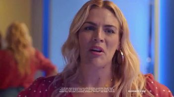 Old Navy Denim Try-On-A-Thon TV Spot, 'Reunion' Featuring Busy Philipps - Thumbnail 9