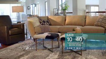La-Z-Boy 36 Hour Sale TV Spot, 'Solutions: Cozy to Spacious' - Thumbnail 6