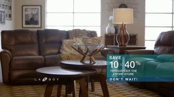 La-Z-Boy 36 Hour Sale TV Spot, 'Solutions: Cozy to Spacious' - Thumbnail 8