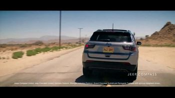 Summer of Jeep TV Spot, 'Compass: Diner' Featuring Jeremy Renner [T2] - Thumbnail 4