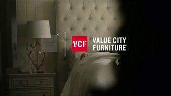 Value City Furniture Labor Day Sale TV Spot, 'Dream Mattress Studio' - Thumbnail 1