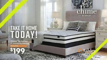Ashley HomeStore Summer Sleep Sale TV Spot, 'Incredible Mattress Savings' Song by Midnight Riot - Thumbnail 4
