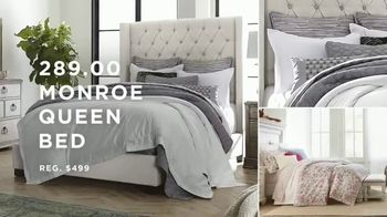 Macy's Labor Day Furniture & Mattress Sale TV Spot, 'Queen Bed and Sectional' - Thumbnail 2
