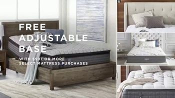 Macy's Labor Day Furniture & Mattress Sale TV Spot, 'Queen Bed and Sectional' - Thumbnail 4