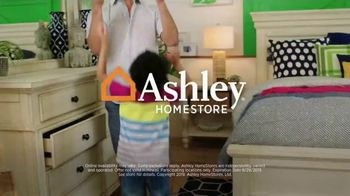 Ashley HomeStore Labor Day Sale TV Spot, 'Savings and Financing' Song by Midnight Riot - Thumbnail 8
