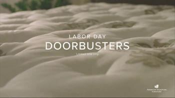American Signature Furniture Labor Day Doorbusters TV Spot, 'Queen Mattress' - Thumbnail 4