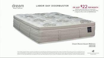 American Signature Furniture Labor Day Doorbusters TV Spot, 'Queen Mattress' - Thumbnail 9
