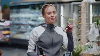 Kim Crawford Wines TV Spot, 'Marketplace' Song by LOLO - Thumbnail 4