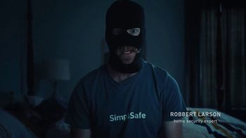 SimpliSafe TV Spot, 'Professional Burglar'