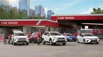 Toyota Liquidación Nacional TV Spot, 'Lavado de autos' [Spanish] [T2] - 44 commercial airings