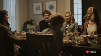 Value City Furniture Labor Day Sale TV Spot, 'Doorbusters: Free Ottoman' - Thumbnail 3
