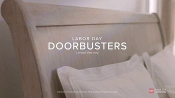 Value City Furniture Labor Day Sale TV Spot, 'Doorbusters: Free Ottoman' - Thumbnail 7