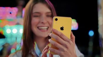 Sprint Unlimited TV Spot, 'Cambia tu iPhone viejo por el brillante iPhone XR a $0 dólares' [Spanish] - Thumbnail 7