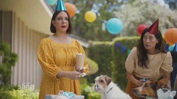 Sling TV Spot, 'Dog Birthday Party' Featuring Maya Rudolph - Thumbnail 5