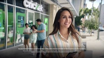 Cricket Wireless TV Spot, 'Sonrisas' [Spanish] - Thumbnail 2