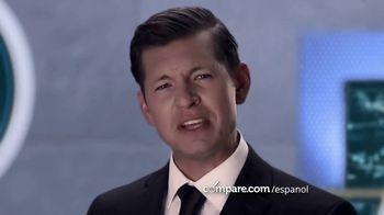 Compare.com TV Spot, 'Agent Compare: Check-Up' [Spanish] - Thumbnail 8