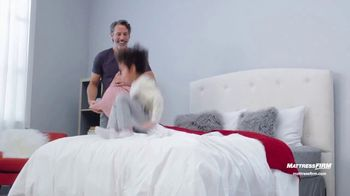 Mattress Firm Labor Day Sale TV Spot, 'King for the Price of a Queen' - Thumbnail 8