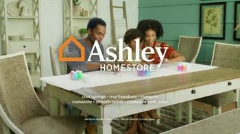 Ashley HomeStore Stars & Stripes Event TV Spot, 'Queen Bed' Song by Midnight Riot - Thumbnail 9
