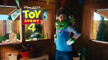 Toy Story 4 Buzz Lightyear Space Ranger Armor TV Spot, 'Protect the Galaxy' - Thumbnail 2