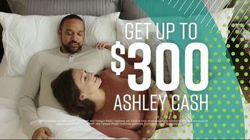 Ashley HomeStore Summer Sleep Mattress Event TV Spot, 'Final Week: Ashley Cash' Song by Midnight Riot - Thumbnail 4