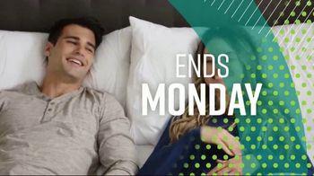 Ashley HomeStore Summer Sleep Mattress Event TV Spot, 'Final Week: Ashley Cash' Song by Midnight Riot - Thumbnail 5