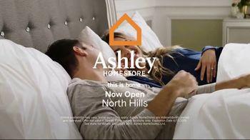 Ashley HomeStore Summer Sleep Mattress Event TV Spot, 'Final Week: Ashley Cash' Song by Midnight Riot - Thumbnail 6