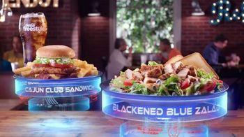Zaxby's Blackened Blue Zalad TV Spot, 'Men in Black: International: Made to Order'