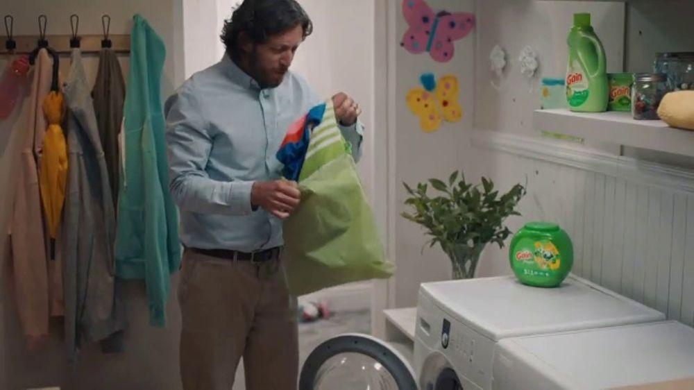 Gain Flings! TV Commercial, 'Swim Meet'
