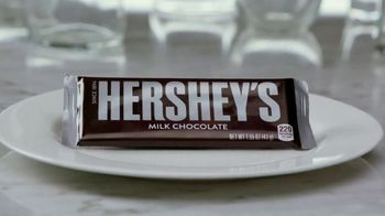 Hershey's Milk Chocolate & Reese's Pieces TV Spot, 'FX Eats: Perfect Marriage' - Thumbnail 4