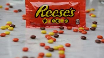 Hershey's Milk Chocolate & Reese's Pieces TV Spot, 'FX Eats: Perfect Marriage' - Thumbnail 7