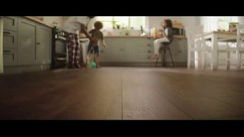 Lumber Liquidators Flooring Yard Sale TV Spot, 'Laminate, Hardwood and Waterproof Vinyl' - Thumbnail 2