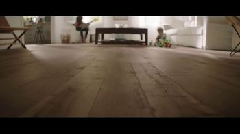 Lumber Liquidators Flooring Yard Sale TV Spot, 'Laminate, Hardwood and Waterproof Vinyl' - Thumbnail 6