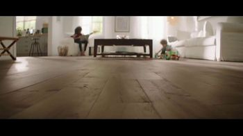 Lumber Liquidators Flooring Yard Sale TV Spot, 'Laminate, Hardwood and Waterproof Vinyl' - Thumbnail 7