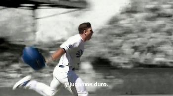Major League Baseball TV Spot, 'Jugamos duro' canción de Musicologo The Libro [Spanish] - Thumbnail 7