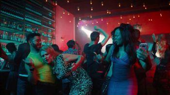 Sling TV Spot, 'Ladies Night' Featuring Maya Rudolph