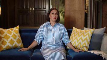 Sling TV Spot, 'Ladies Night' Featuring Maya Rudolph - Thumbnail 2