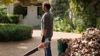 STIHL TV Spot, \'Battery Power. Made By STIHL.\'