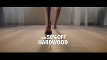 Lumber Liquidators The Yard Sale TV Spot, '400 Floors' - Thumbnail 5