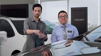 2019 Chrysler Pacifica TV Spot, 'Tough Decision: Talking Van' [Spanish] [T1] - Thumbnail 4