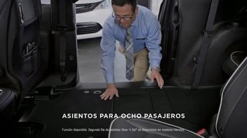 2019 Chrysler Pacifica TV Spot, 'Tough Decision: Talking Van' [Spanish] [T1] - Thumbnail 9