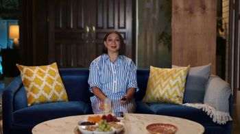 Sling TV Spot, 'Don't Go Out' Featuring Maya Rudolph - Thumbnail 3