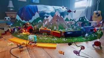 Goldfish Movie Maker TV Spot, 'Train Scene' - Thumbnail 8
