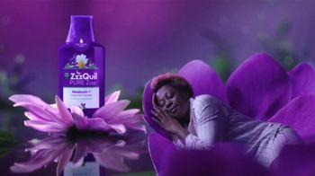 Vicks ZzzQuil Pure Zzzs Melatonin Liquid TV Spot, 'Un sueño tranquilo' [Spanish] - Thumbnail 4